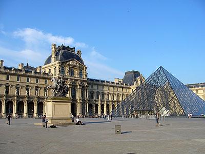 パリ・ルーブル美術館