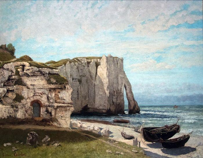 嵐の跡のエトルタの断崖